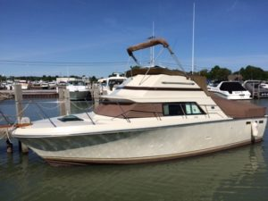 1982 31′ Baha Flybridge Cruiser