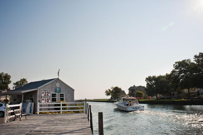fuel-dock-lake-erie-islands-002